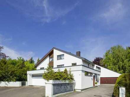 Renditenstarkes Architektenhaus Wohnhaus mit Bungalowanbau