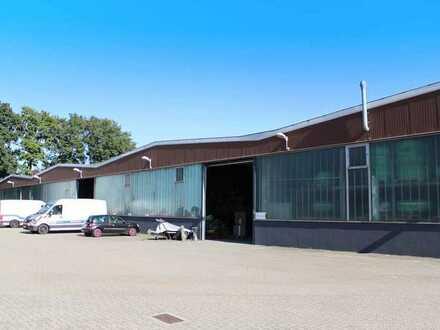 Werk-/Lagerhallen mit Büroräumen