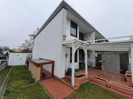 Erleben Sie den kommenden Sommer im eigenen Haus mit Terrasse und Garten!