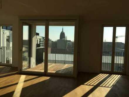 Lichtdurchflutete Wohnung m. Kirchturmblick, Fußbodenheizg.-Parkett-zwei Balkone-TG-Sauna