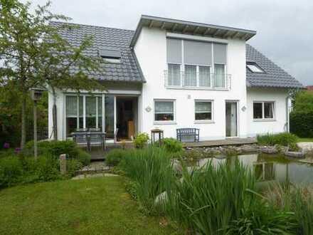 Modernes und geräumiges Haus mit sieben Zimmern in Oberndorf am Neckar / 5 Min. zur A 81