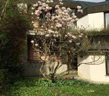Schönes, geräumiges Haus mit acht Zimmern in Böblingen (Kreis), Waldenbuch