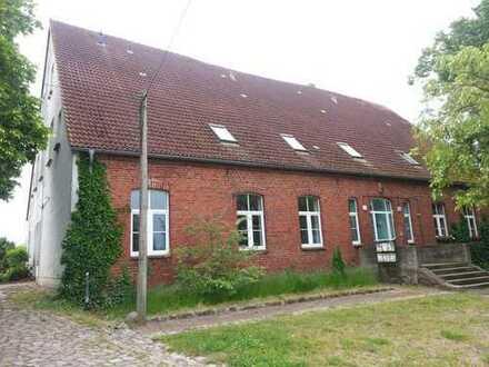 3 Raum Wohnung im Gutshaus Gramelow bei Burg Stargard