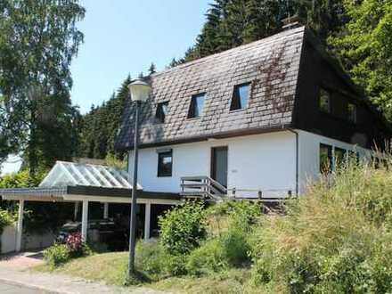 Modernes Einfamilienhaus mit Garage auf sonnig gelegenem Grundstück in Bad Berleburg-Raumland