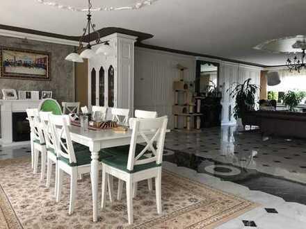 5-Zimmer Traum Maisonette mit Garten & Innen-Pool auf drei Etagen. Exklusiv, Ruhig, Individuell