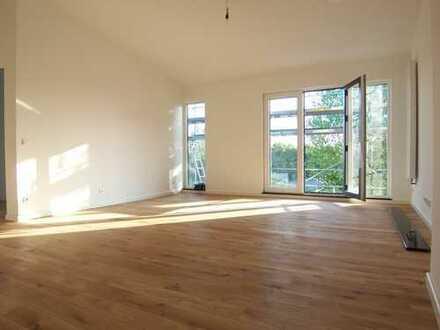 Erstbezug: 4-Zimmer-Dachgeschoß-Maisonette-Wohnung Nähe Berger Str.