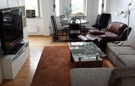 5 Zimmer - Maisonette / Küche, 2 Bäder, mitten in der Stadt mit einer großen Terrasse/ ruhig