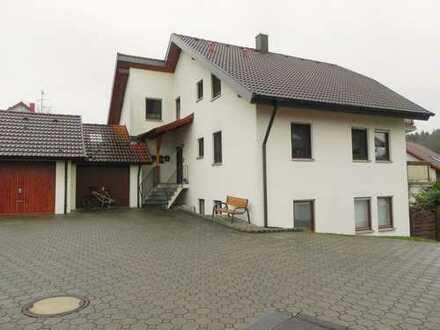 Verwurzelt in Sig´dorf: Klassische 4 Zimmer Wohnung in einem 3 Familienhaus!