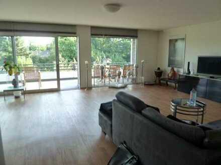 Helle 3 Zimmer-Wohnung mit großem Sonnenbalkon und Blick ins Grüne