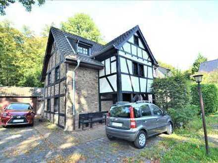 Wunderschöne Wohnung mit einem ca. 200 qm Garten auf dem Lindweiler Hof