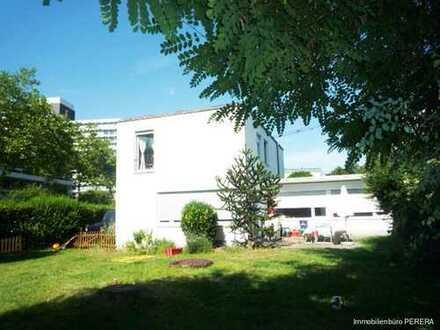 Grosszügiges Einfamilienhaus mit schönem, großen Garten, Nähe Bonn International School