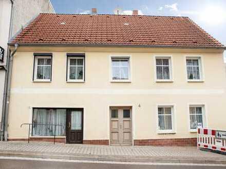 Mein Reich auf zwei Etagen - Stadthaus mit Einliegerwohnung und Hofterrasse
