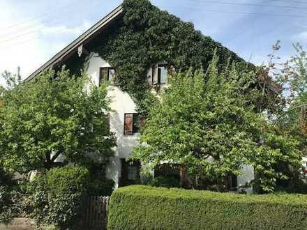 Sehr ruhig gelegene, idyllische Künstler-Bauern-Doppelhaushälfte in Warmisried zu verkaufen