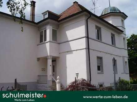 ERSTBEZUG NACH SANIERUNG   Villa mit 9 Zimmern, Turm und Erker in zentraler Lage.