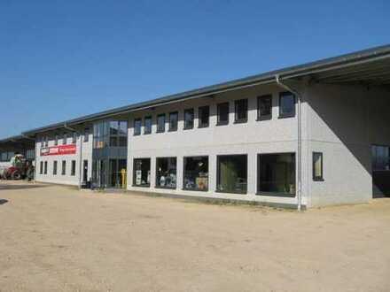 Neu- und Hochwertige Produktionshalle mit Lager und Verwaltung