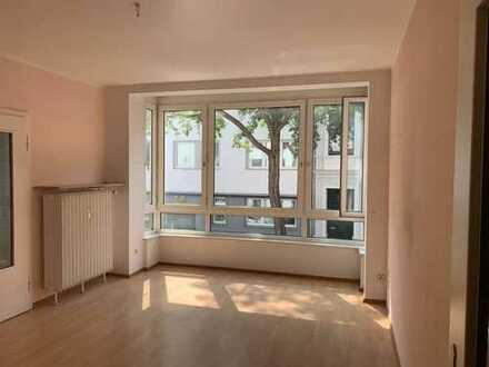 Schöne drei Zimmer Wohnung in Düsseldorf, Pempelfort