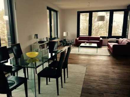 Traumhaft helle Wohnung direkt am Neckar