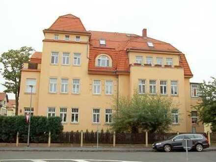 Gemütlich im Dach! 2-R-Whg., EBK., san. Altbau. Schön gelegen im Villenviertel DD Klotzsche.