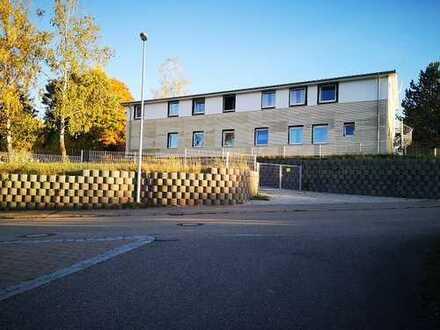 BOOMiMMOBiLiE iN BOMBASTiSCHER LAGE + A81 EMPFINGEN EIN-/ AUSFAHRT