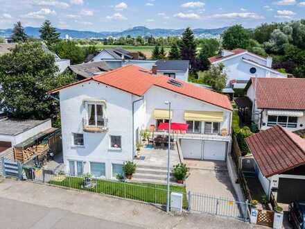Tolle Wohnung in Mediterrane Stadt-Villa mit Flair und großem Balkon!! Neue Einbauküche !