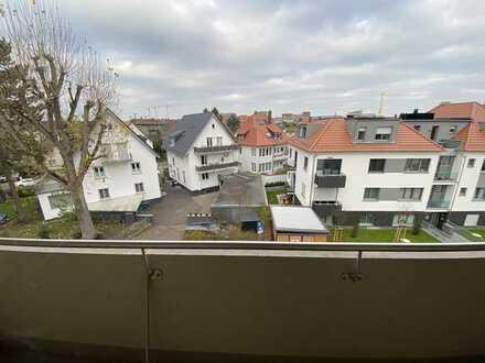 Stilvolle 3-Zimmer-Wohnung mit Balkon und EBK in Heidelberg