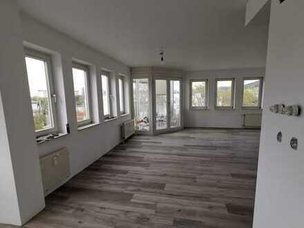 Neu sanierte Maisonettewohnung am Neckar