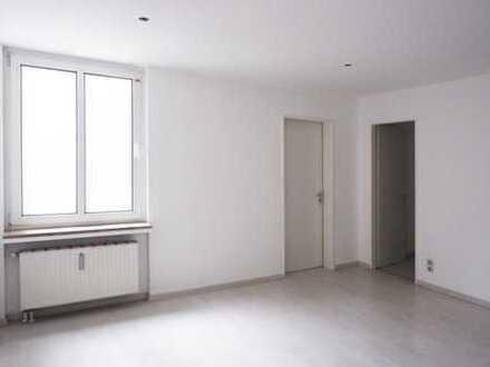 Erstbezug nach Sanierung, 3-Zimmer-Wohnung mit EBK in Lichtenberg, Berlin