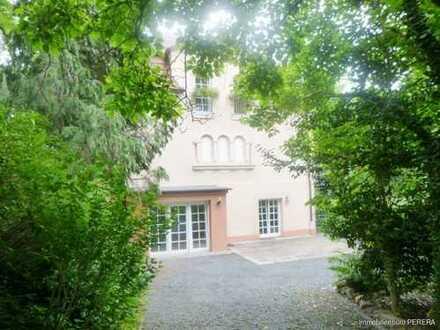 Schöne 2 -Zi. ELW mit gr. Terrasse, Garten u. sep. Eingang in Godesberg / Nähe Bonn intern. School