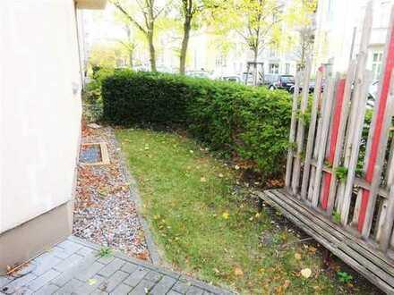 ** Sofort einziehen ** 3-Zimmer-Altbaubauwohnung mit Garten in begehrter Lage !!