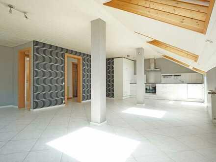 Moderne, attraktive 3,5-Zimmer-DG-Wohnung mit Balkon in ruhiger, bevorzugter Lage