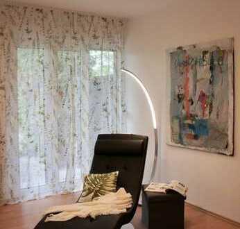 Exklusiv möbliertes Apartment mit Wlan, Terrase u. Stellplatz nahe U1 in Fürth / Stadtgrenze