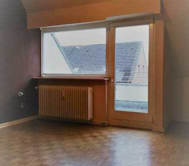 Freundliche 2-Zimmer-Dachgeschoß-Wohnung zur Miete in Hamburg-Wellingsbüttel