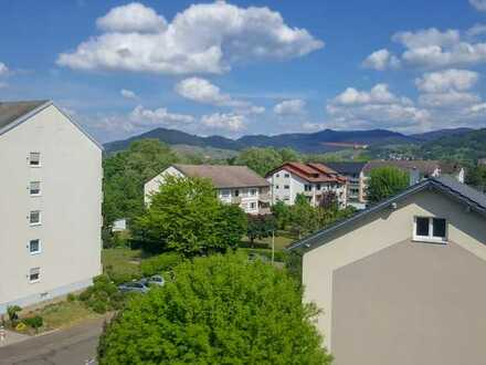Attraktive Eigentumswohnung in zentraler Lage in Bühl, toller Ausblick!