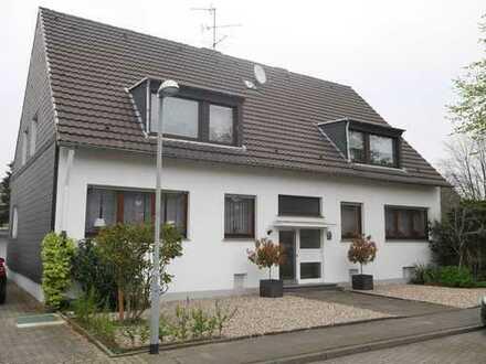 Ihr Chance in Dinslaken - Helle und gemütliche 2 Zimmer Wohnung im 1. Obergeschoss