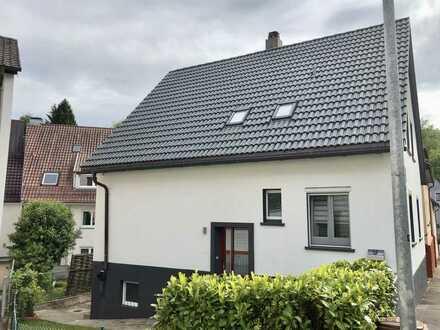 Freistehendes Einfamilienhaus mit kleinem Garten in Stuttgart-Rohracker