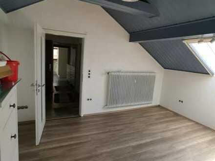 3 Zimmer Dachgeschoß Wohnung in 91720 Absberg