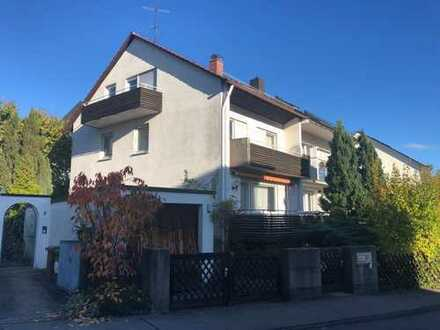 Ruhig und sonnig gelegene Doppelhaushälfte mit Einliegerwohnung in Stuttgart - Möhringen