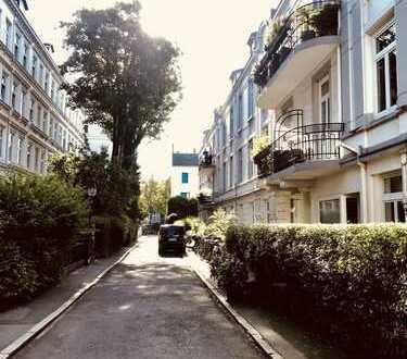 Möblierte vier Zimmer Altbauwohnung in Hamburg, Rotherbaum