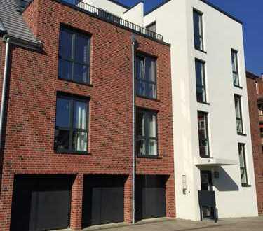 Moderne 2-Zimmer-Penthouse-Wohnung mit 2 Terrassen und Einbauküche in Wandsbek, Hamburg