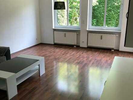Traumhafte EG-Wohnung mit eigenem Garten in Bogenhausen