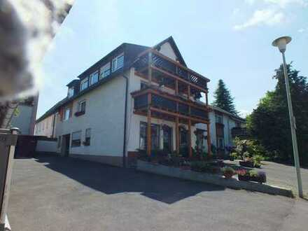 Marktredwitz / Brand 3 Zimmer Wohnung mit Fernsicht und Balkon, zur Miete