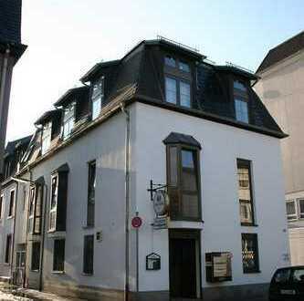 Vollvermietetes Renditeobjekt - Wohn und Geschäftshaus in Frankfurt am Main - von Privat