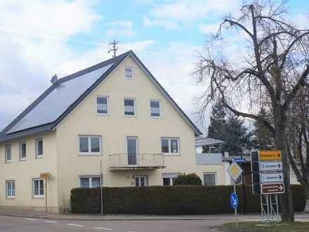 Gepflegtes 8-Zimmer-Einfamilienhaus mit EBK und kleinem Garten in Bächingen nahe Schule/Kindergarten