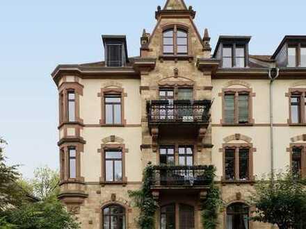 Altbauwohnung mit zwei Balkonen mitten in Neuenheim