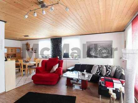 Zentral gelegen und topgepflegt: Doppelhaushälfte mit Sonnenterrasse und Carport