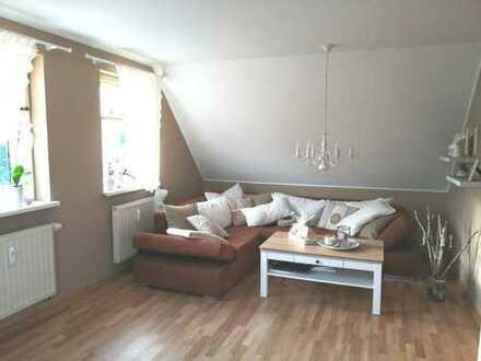 Gepflegte 2-Zimmer-Dachgeschosswohnung mit Einbauküche in Brieskow-Finkenheerd