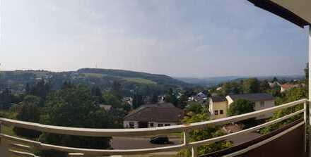 Freundliche 3-Zimmer-Wohnung mit Balkon, EBK und Gäste-WC in Göttschied