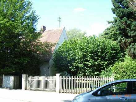 Grundstück mit Altbestand (Einfamilienhaus)