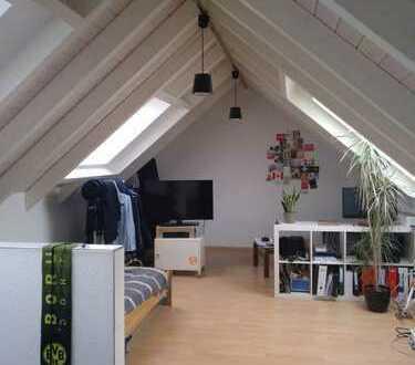 Exklusive, zentral gelegene 1-Zimmer-Dachgeschosswohnung in Ulm