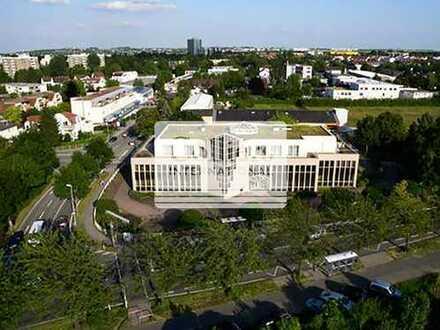 Klimatisierte Büroeinheit mit großer Dachterrasse